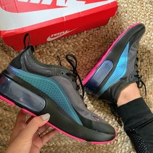 Nike Air Max Dia Size 6.5 Women